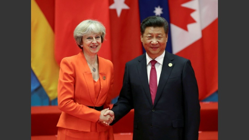 Theresa May y Xi Jinping exploran un acuerdo bilateral