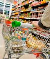 El consumo en supermercados y shoppings cayó casi 4%
